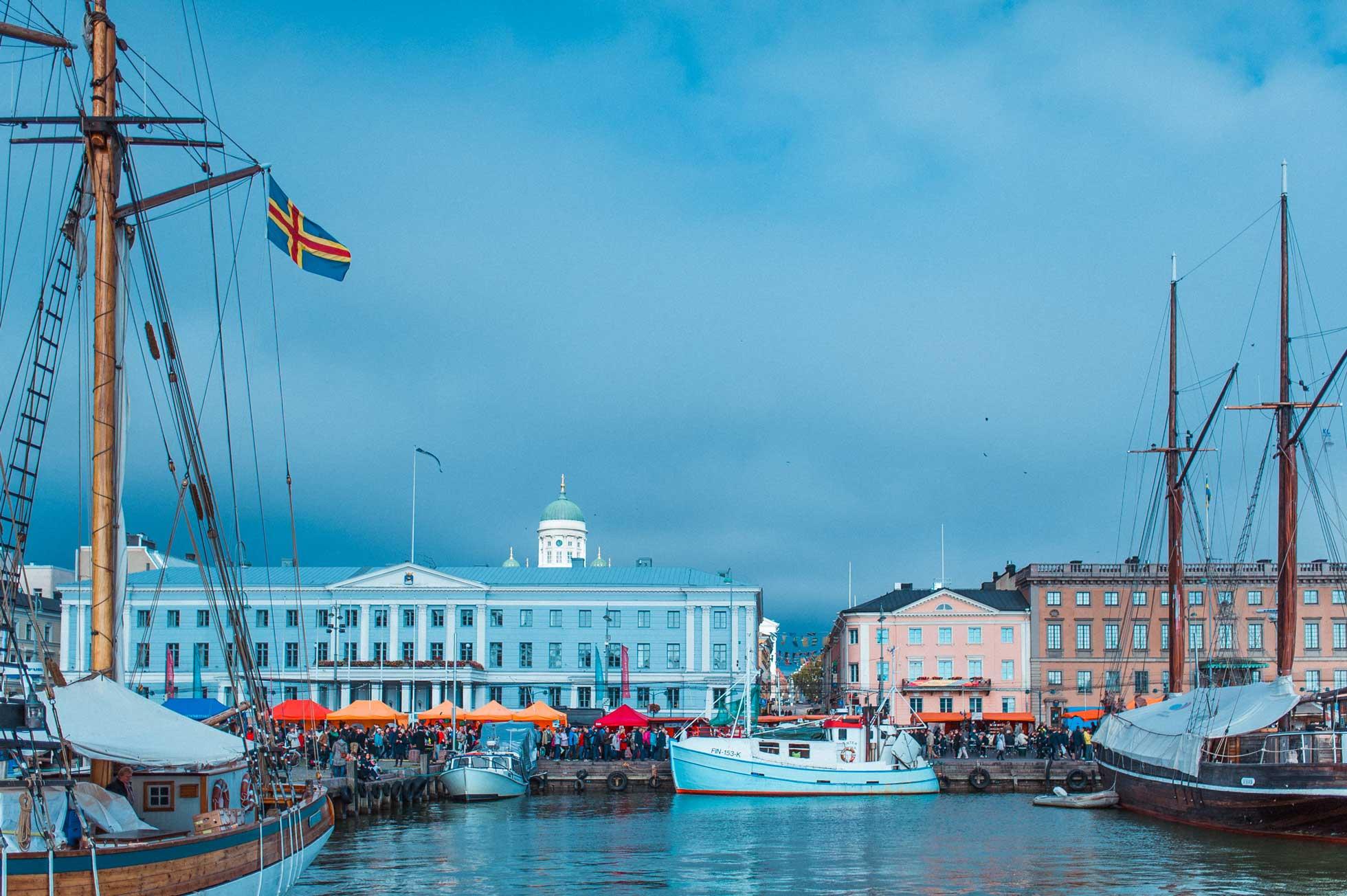 Marknadsdag salutorget i Helsingfors