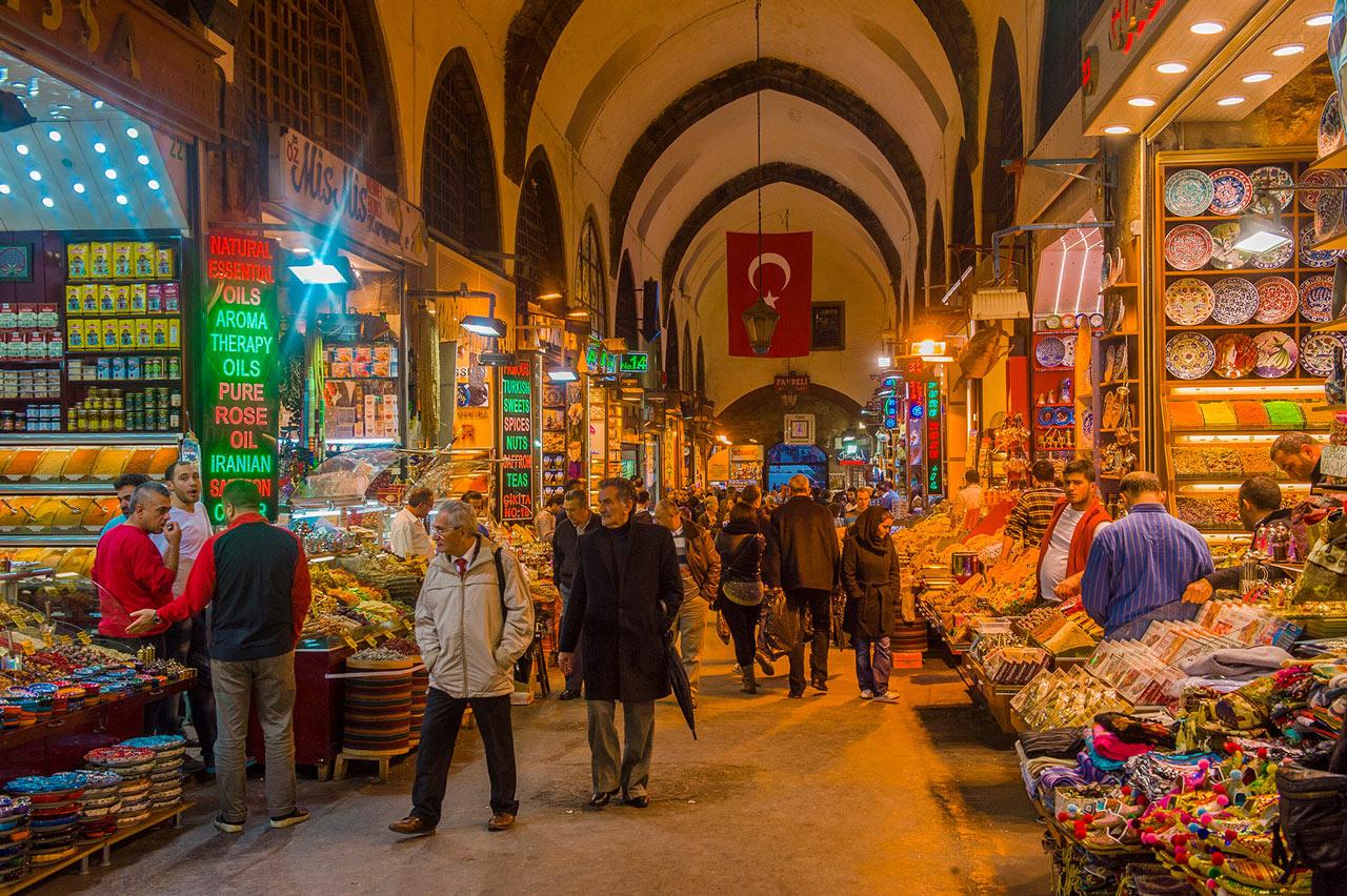 Upplev Istanbuls kryddbazaar under konferensresan